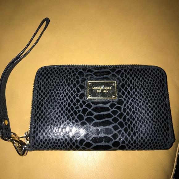 Michael Kors Handbags - Michael Kors zip around wallet